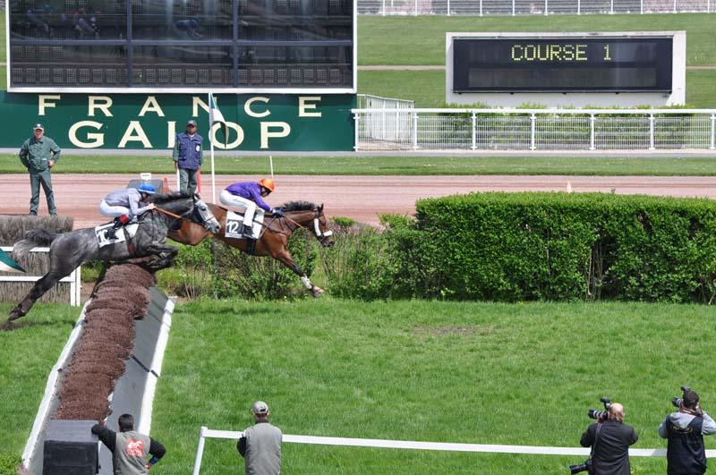 9 La Haie des Tribunes 1e course.jpg