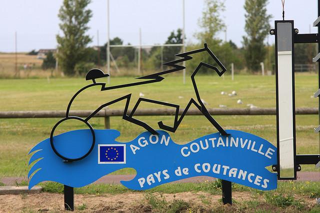 Poteau d'Agon coutainville zoom.jpg